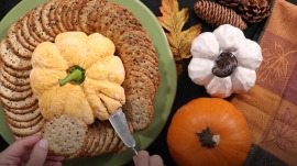 Make this pumpkin-shaped cheese ball to wow Thanksgiving dinner guests