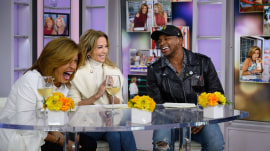 Jimmie Allen gives KLG and Hoda a look inside his phone