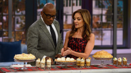 Joy Bauer shares food swaps to lower calorie counts this holiday season