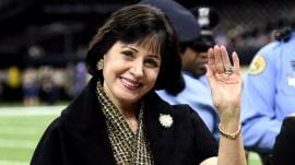 New Orleans Saints owner pays off $100K in Walmart customers' layaway bills