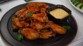 Football food: Make Matt Abdoo's baked chicken wings and ribs