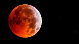 Super blood wolf moon lit up sky Sunday night