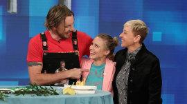 Dax Shepard celebrates birthday with Kristen Bell on 'Ellen'