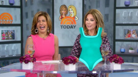 New emoji for 2019 revealed – KLG and Hoda check them out