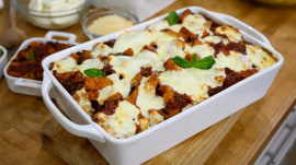 Alberti twins make pasta bake and bomboloni