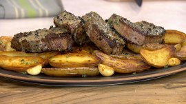 Make Ashish Alfred's pepper steak with potatoes