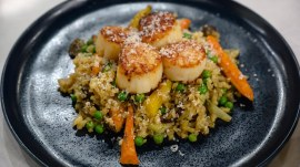 Spring recipes: Make low-carb cauliflower rice with scallops