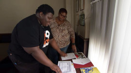 Teen overcomes homelessness, gets accepted to 17 colleges