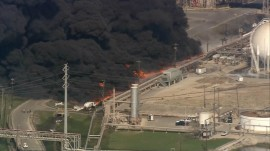 Fire reignites at Texas petrochemical plant