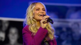Kristin Chenoweth performs song Kathie Lee wrote for inspiring waitress