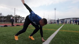 Pittsburgh Steelers player runs boot camp for troops at military base