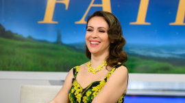 Alyssa Milano dishes on her scandalous role in 'Tempting Fate'