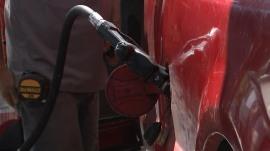 Average price of gas falls 6 cents per gallon