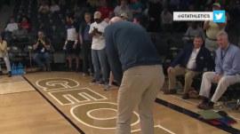 Cink it! Pro golfer Stewart Cink makes 'full-court' putt, wins student $25k