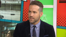 Ryan Reynolds talks 'Deadpool,' plays spin the bottle with fan