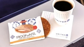 Free snacks are back on United Airlines