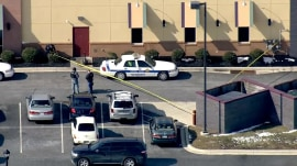 Two Maryland deputies shot and killed, suspected gunman dead