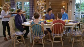 'Fuller House' stars address Olsen twins' character as trailer debuts