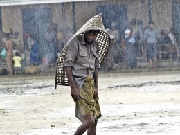 Image: Myanmar authorities move refugees to safe places for Cyclone Mahasen