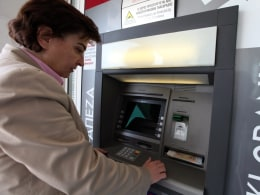 Image: Cash Withdrawals from Cypriot banks
