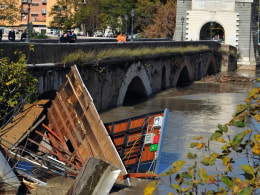 Image: ITALY-WEATHER-FLOOD-ROME-TIBER RIVER