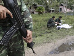 Image: Troops kill 17 militants in southern Thailand