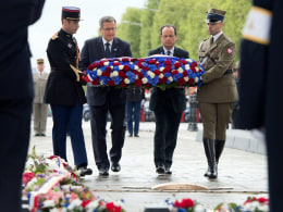 Image: Ceremony to mark the end of WWII in Paris