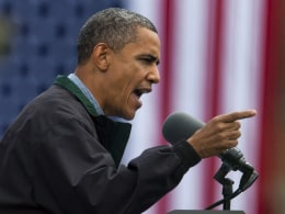 Image: Obama Holds Campiagn Rally in Council Bluffs, Iowa