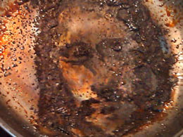 Image: Face Of Jesus Appears in Frying Pan