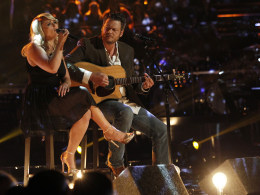 Image: Miranda Lambert and Blake Shelton