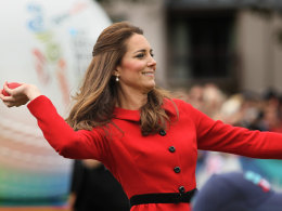 Image: Catherine, Duchess of Cambridge throws a soft cricket ball