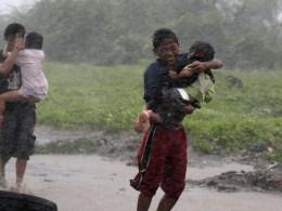 Image: Typhoon Rammasun hits Manila