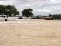 Image: Puntland's officials visit a bridge between Garowe and Eyl that was destroyed by the storm Somalia