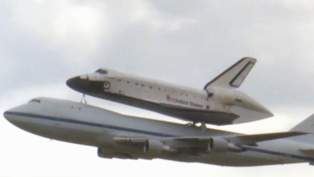 Space shuttle Endeavour piggybacks on jumbo jet | MSNBC