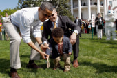 Obama hosts annual Easter Egg Roll