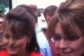 Palin runs into a familiar face on tour