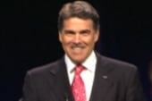 Perry threatens to overshadow Iowa poll
