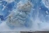 Falling glacier rocks boat