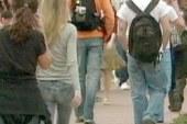 Moody's: Student loan debt tops credit...
