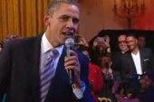 Obama sings 'Sweet Home Chicago'
