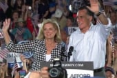 Report: Romney family stages campaign...