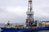 Shell flouts safety with artic rigs