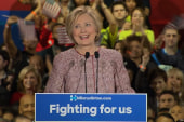 Clinton reaches out to Sanders supporters