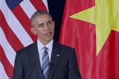 Obama travels to Vietnam, lifts embargo