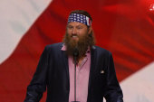 Duck Dynasty star shows support for Trump