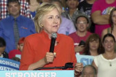 Clinton Slams Trump Economic Plan