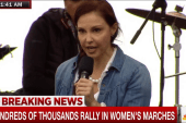 Hundreds of thousands rally in women's...