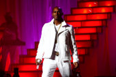 Singer R. Kelly charged with sexual abuse in Chicago