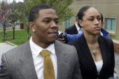 Report: Rice told NFL Comm. he hit fiancé