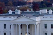 Man with rifle arrested near White House